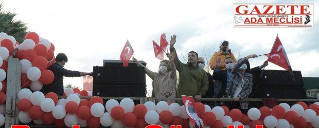 Kuşadası'nda konvoylu kutlama