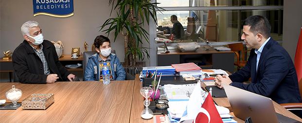 Başkan Ömer Günel minik Efe'ye verdiği sözü tuttu